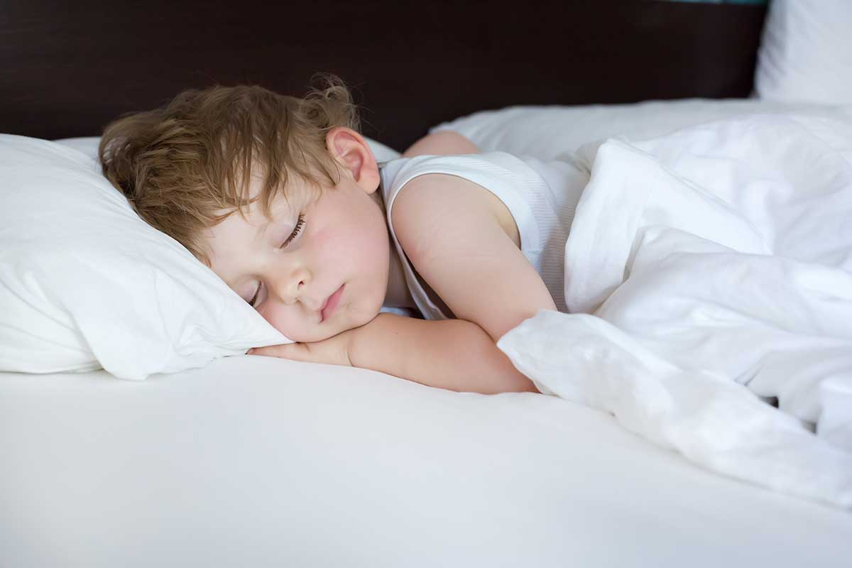 How to Get a Child to Sleep in His Bed